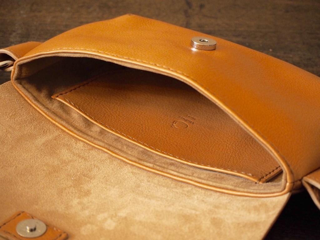 (フルオーダーメイド)イタリアンレザーのボディバッグ