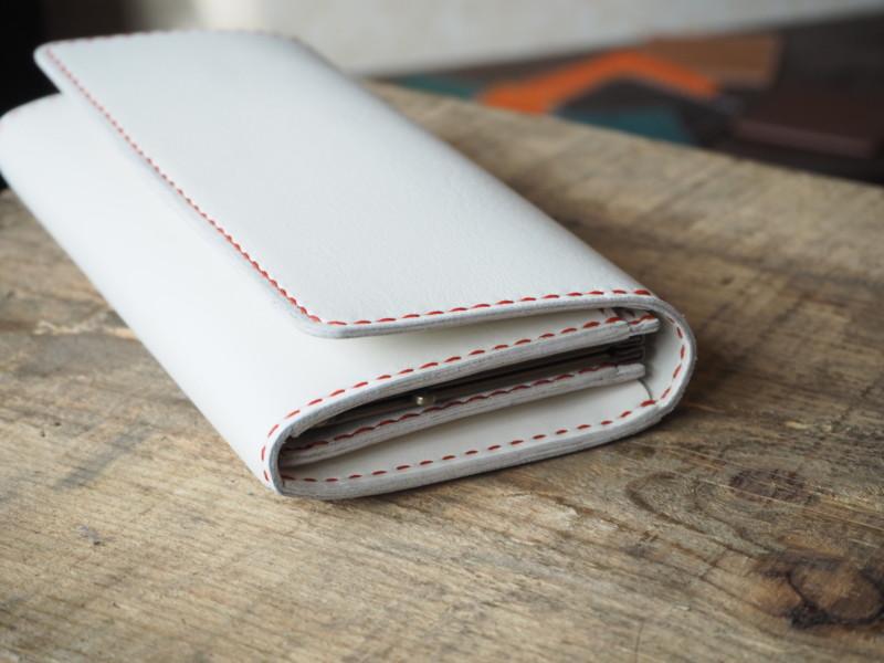 (フルオーダーメイド)がま口コインケース付き白い長財布