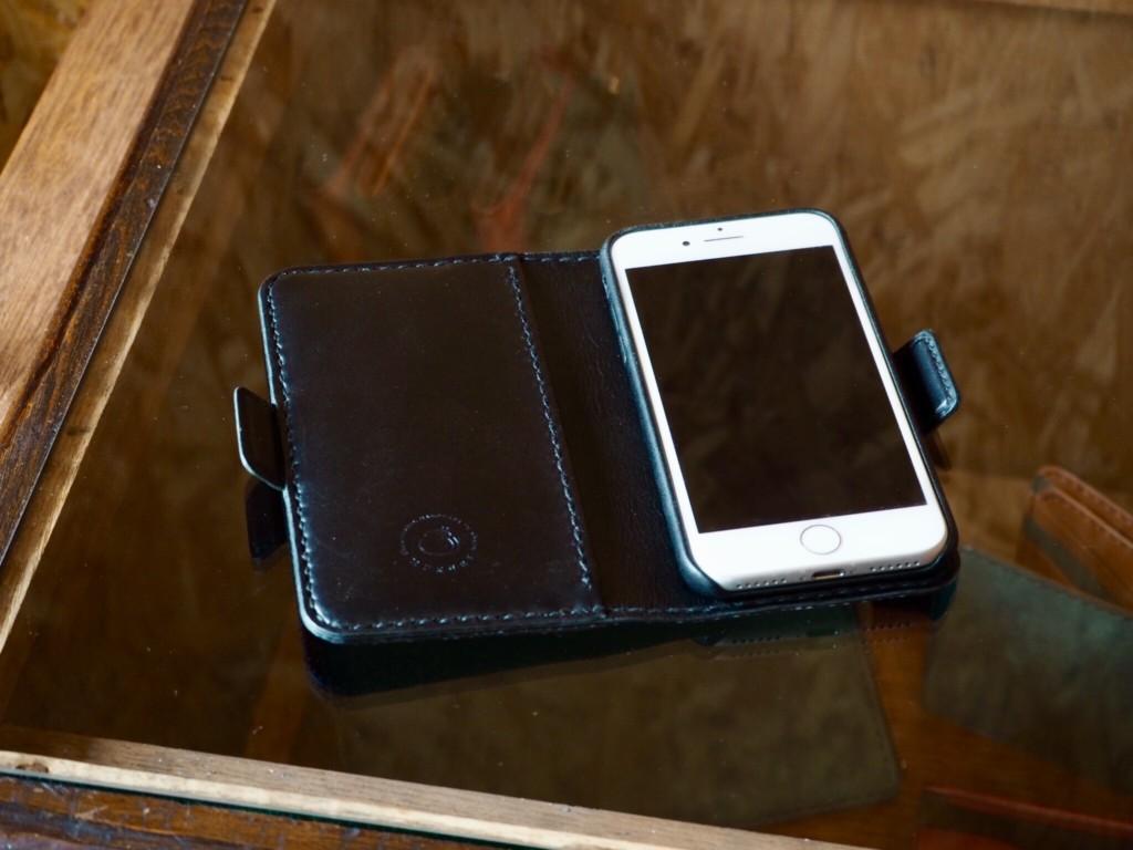 エイ革iphoneケース内側